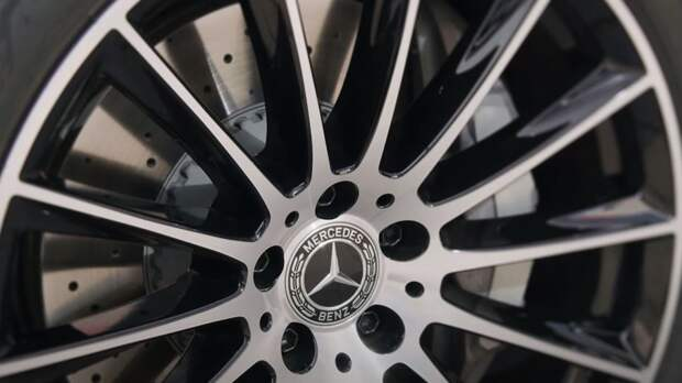 Стало известно о старте европейских продаж седана S580e от Mercedes