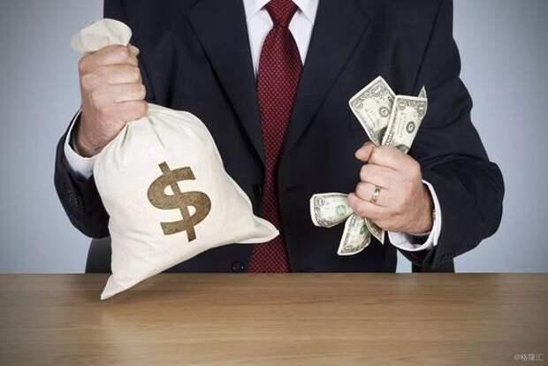 Глава Госсовета заявил, что в Крыму украдены миллиарды и миллиарды долларов