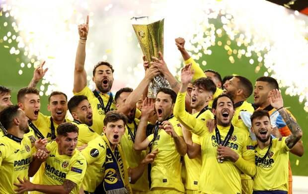 «Нам знакомо чувство, когда обыгрываешь «МЮ». «Зенит» поздравил «Вильярреал» с победой в Лиге Европы