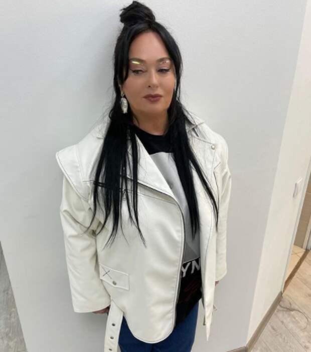 Гузеева поделилась архивным фото с Удовиченко, Смеховой и солистом «Иванушек» в роли манекенщика