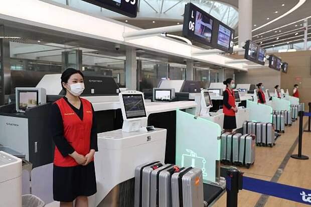 Китай ужесточит правила работы служб аэропортов из-за COVID