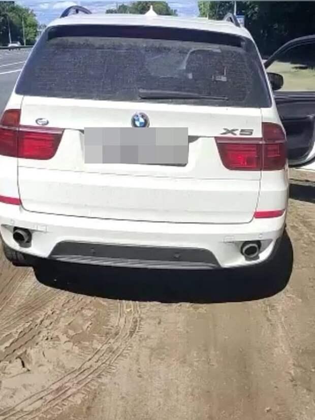 Под Тверью у водителя изъяли BMW за долг в 600 тысяч рублей