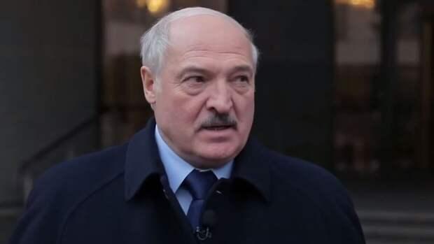 Фото купающегося в Черном море Лукашенко после переговоров с Путиным попало в Сеть