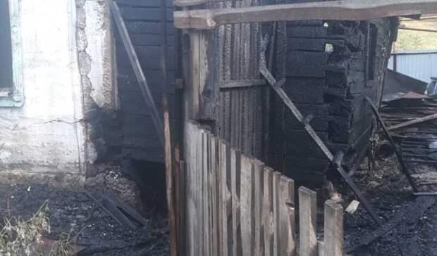 Три человека погибли вовремя пожара вчастном доме вКрасноуфимске