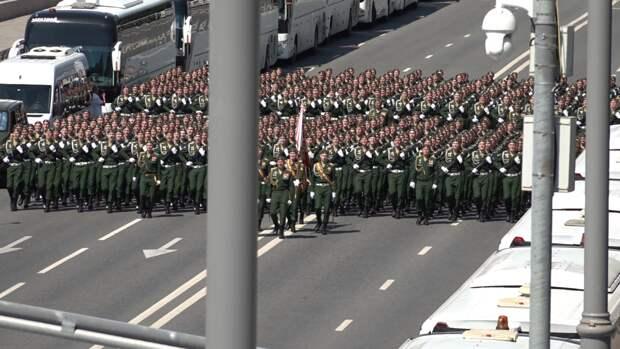 Москвичи восхитились генеральной репетицией парада ко Дню Победы