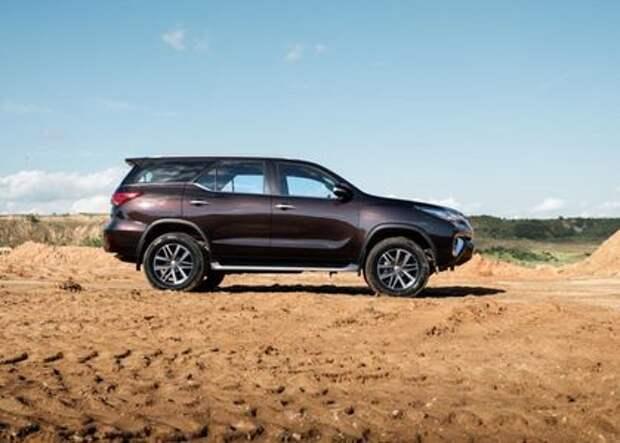 Toyota Fortuner в России будет доступен только с турбодизелем