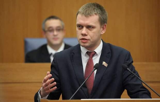 Депутат Мосгордумы отказался от вакцинации «в соответствии с Конституцией России»