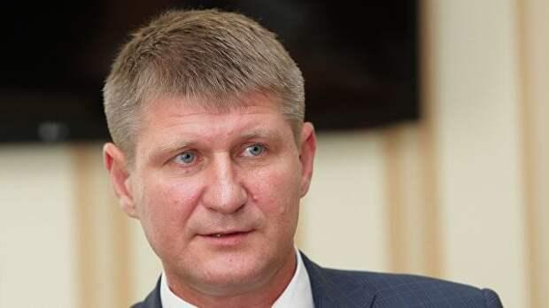 Порошенко пора признать международным преступником: так считают представители Крыма в Госдуме РФ