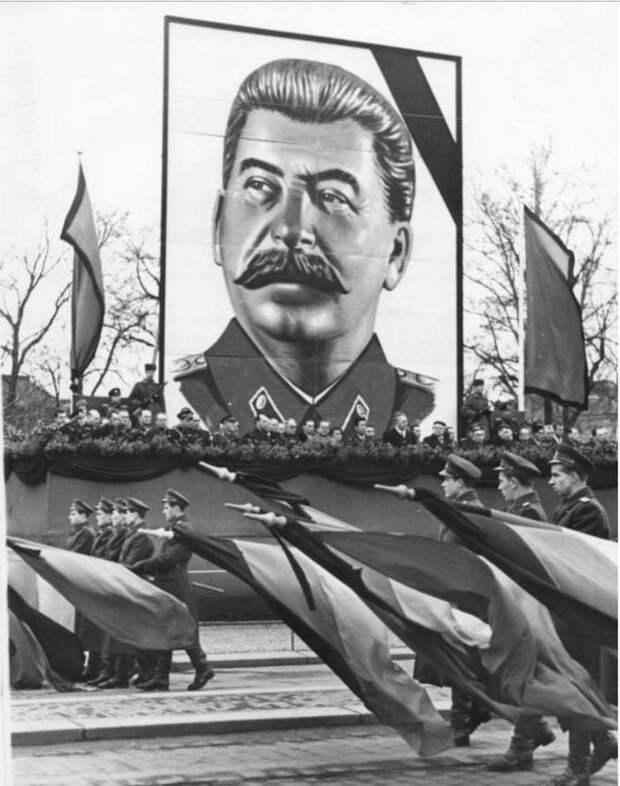 Посмертная судьба Сталина. Тайное стало явным?