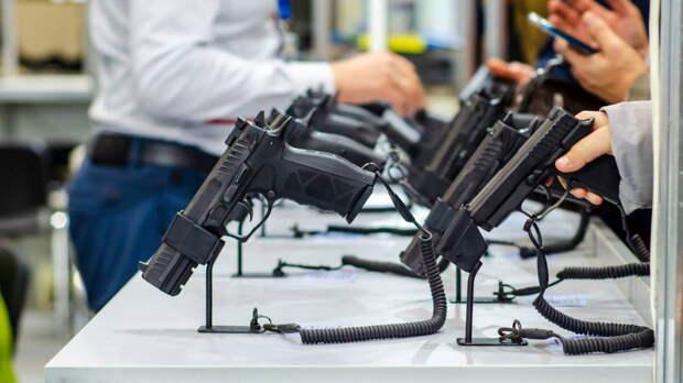 Ужесточающий правила получения оружия законопроект 17 мая внесут в Госдуму
