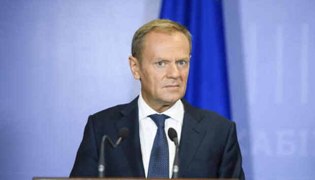Туск резко отреагировал на призыв Макрона помириться с Россией
