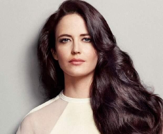 Французская актриса и модель.