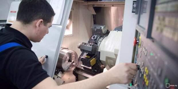 Собянин осмотрел инновационное производство эндопротезов в Москве. Фото: mos.ru