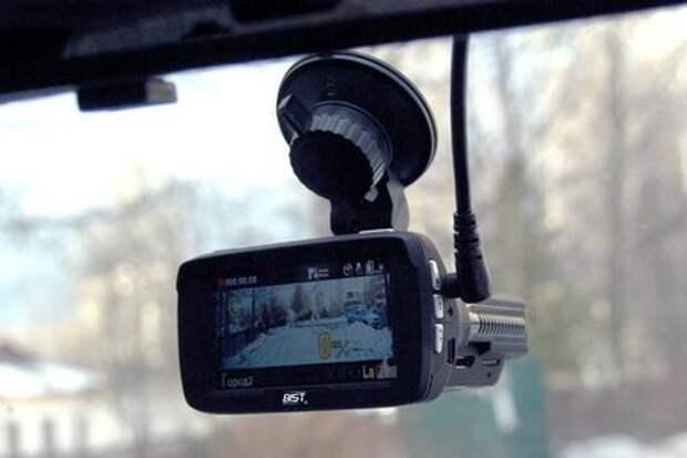 Bist Road Combo 7:  видеорегистратор и радар-детектор