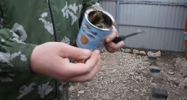 Берем и  делаем хороший комок. /Фото: youtube.com.