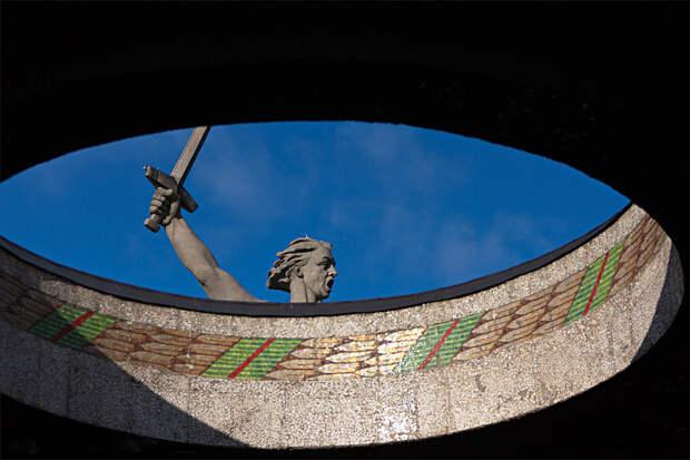 Как выглядит изнутри гигантская статуя Родина-мать зовет (ФОТО)