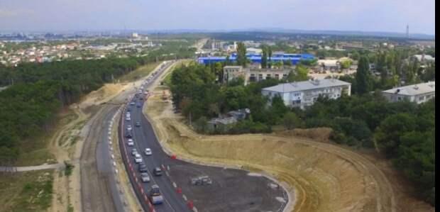 Врио губернатора Севастополя проверил ход строительства Камышового шоссе