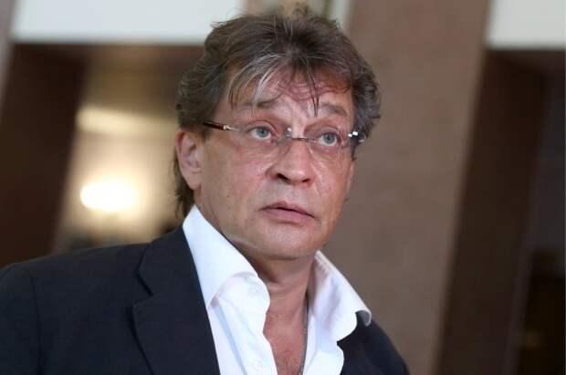 Домогаров пожаловался на травлю из-за поддержки Ефремова