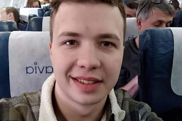 Основателя Nexta задержали в Минске на борту экстренно севшего самолёта