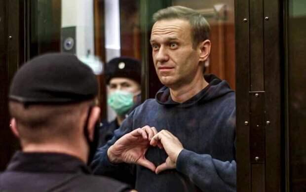 """Кому пишет свои """"тюремные"""" статьи Навальный"""