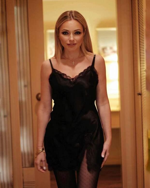 Дайте рецепт! Инна Маликова восхитила неприлично стройными ногами