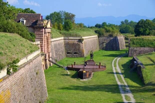 Неф-Бризах — украшение французской короны