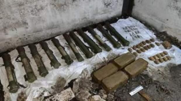 """СБУ нашла тайник оружия назвав его """"оружием Гиркина"""""""