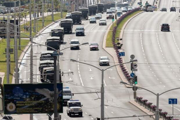 Спецтехника прибыла на площадь Независимости в Минске