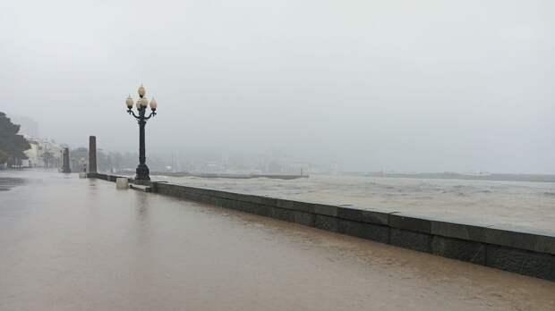 Пользователей Сети поразила реакция директора уфимского турагентства на потоп в Ялте