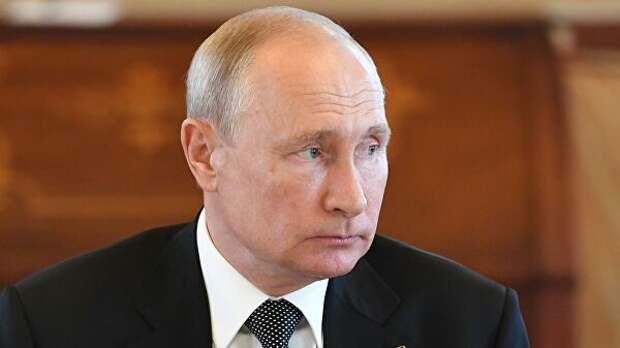 Путин оценил работу чиновников во время пандемии