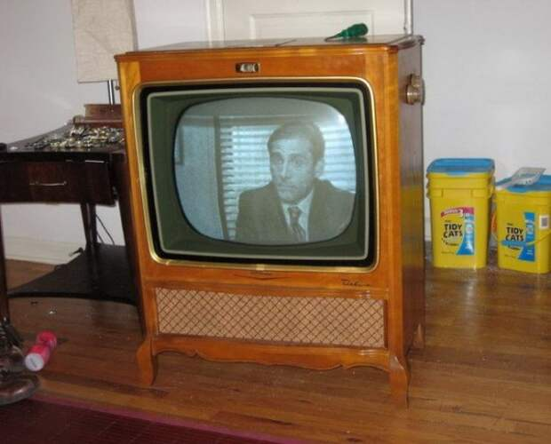 Новая жизнь старого телевизора (19 фото)