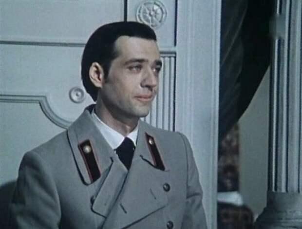 Евгений Данчевский в фильме «Смешные люди», 1977 год
