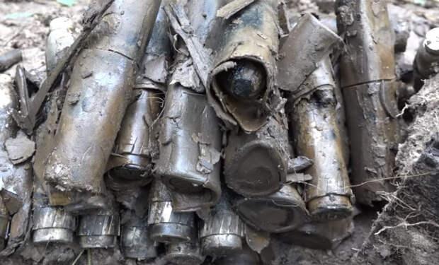 Нашли блиндаж с запрещенными боеприпасами: счетчик Гейгера затрещал в руках
