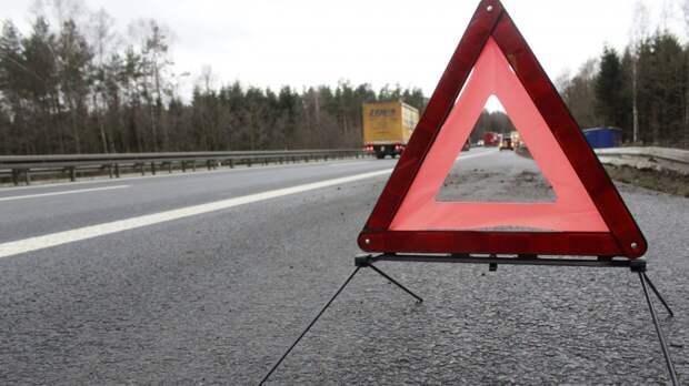 Массовая авария с фурами унесла жизнь человека в Свердловской области