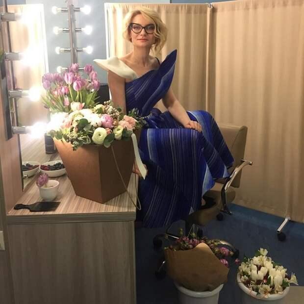 Иконы стиля -- Эвелина Хромченко наконец-то сняла очки...Получилось неожиданно, правда?