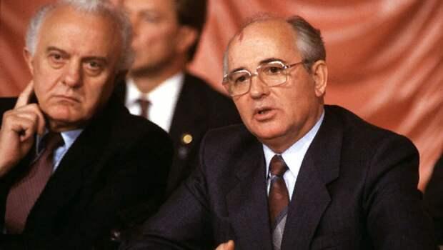 С какого перепуга Горбачёв и Шеварнадзе подарили США часть акватории СССР в северных морях?