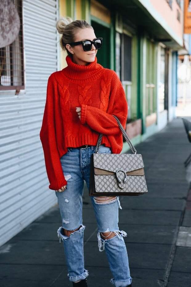 Заправить или навыпуск? 10 правил, как носить свитер, о которых ты не знала