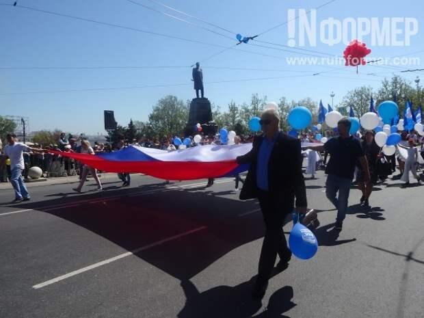 Первомайская демонстрация в Севастополе прошла без политических лозунгов