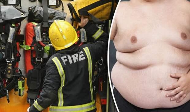 Британским пожарным приходится по три раза на день освобождать толстяков из их домов