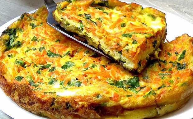 Жарим пирог из слоев за 14 минут: сначала картошка, потом яйца, а в конце добавляем овощи