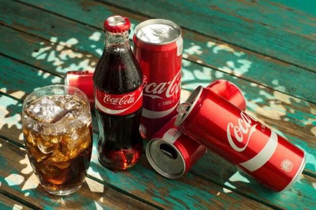 15 способов применения Кока-колы в быту