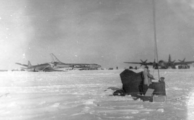 """Ледовый аэродром """"Северный полюс-6"""""""