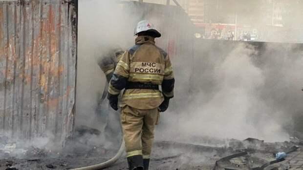 МЧС сообщило о возгорании в административном здании Екатеринбурга