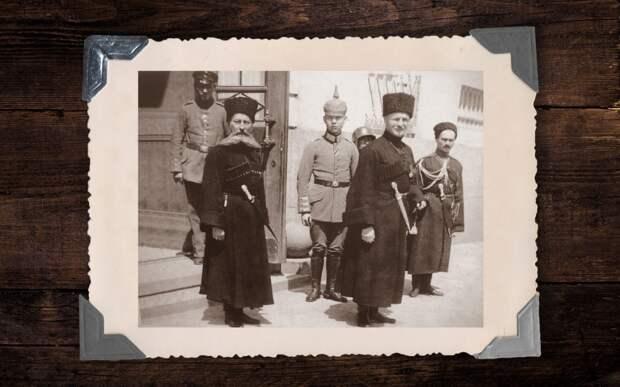 Павел Скоропадский (на переднем плане справа) и немцы. Коллаж © L!FE Фото: © Wikipedia.org