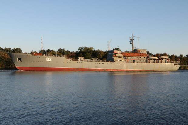 Sina: британские ВМС испугались российского ремонтника и бросили весь флот на его перехват