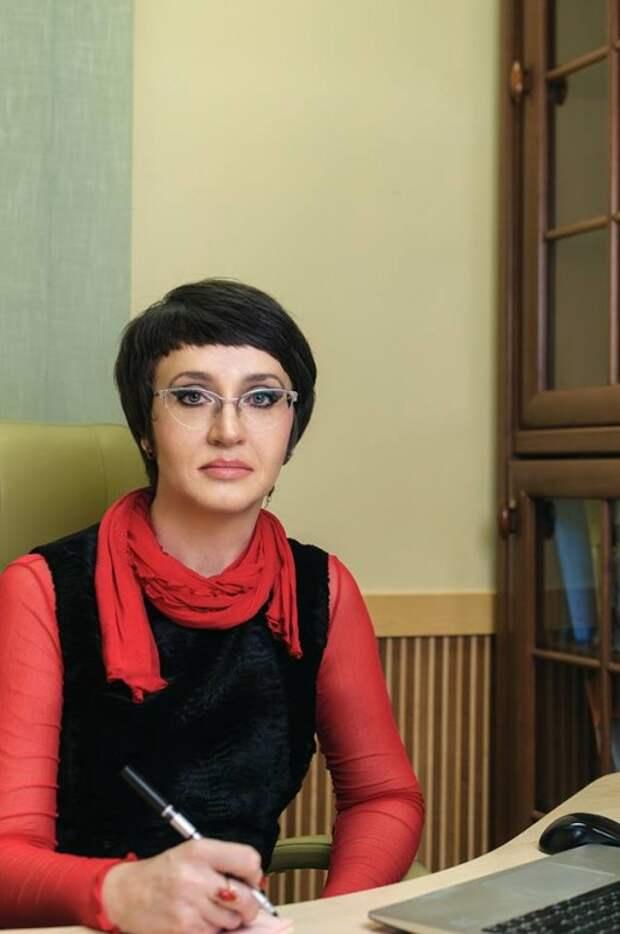 Севастопольская защитница детей содержит себя и аппарат сотрудников - не до юных горожан
