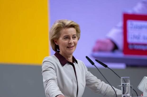Глава ЕК заявила о заморозке инвестиционной помощи Белоруссии на €3 млрд