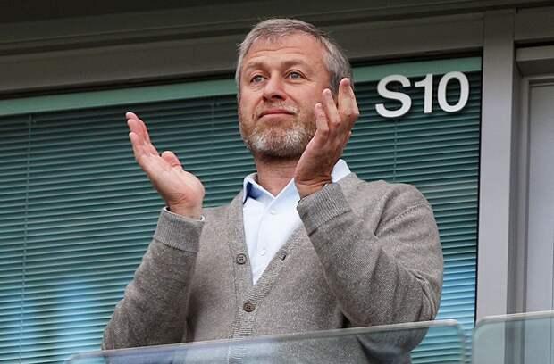 "Как Абрамович чуть не продал ""Челси"" из-за атаки на российских олигархов. Хотел £3 миллиарда, но передумал"
