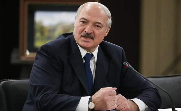Лукашенко объяснил, кто должен решить судьбу задержанных россиян