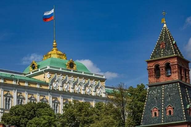 Американист Блохин: Соединенные Штаты с радостью порезали бы Россию на куски